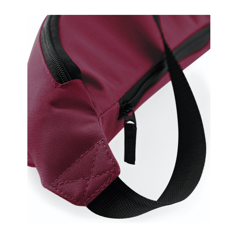 BG42 belt bag 7 burgundy closeup