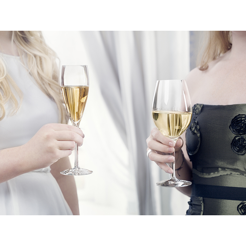 More vin och champagne