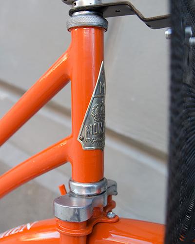 Retro cykel Monark skylt