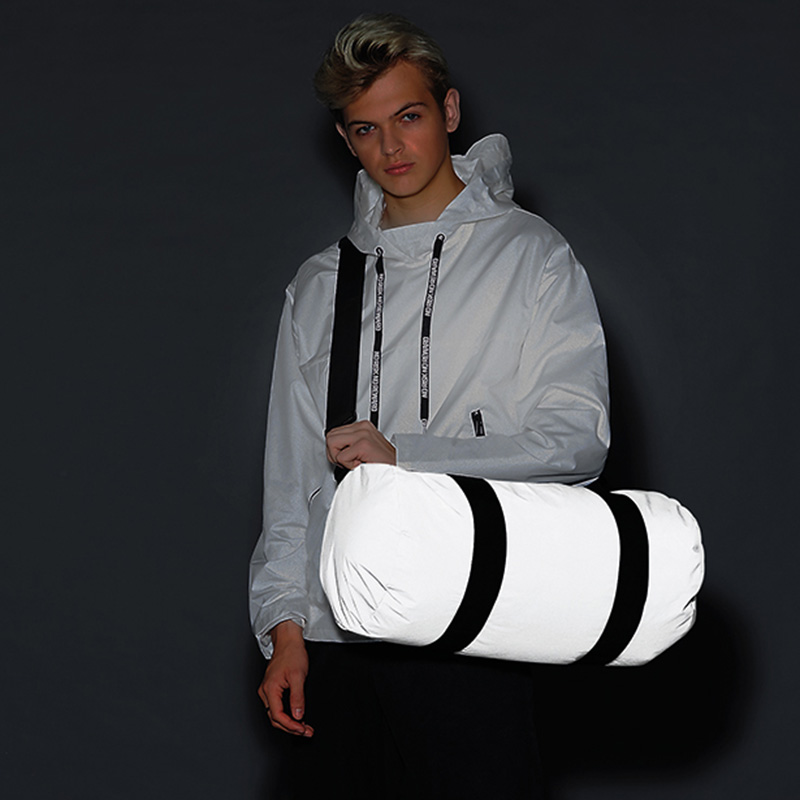 reflective barrel bag silver4