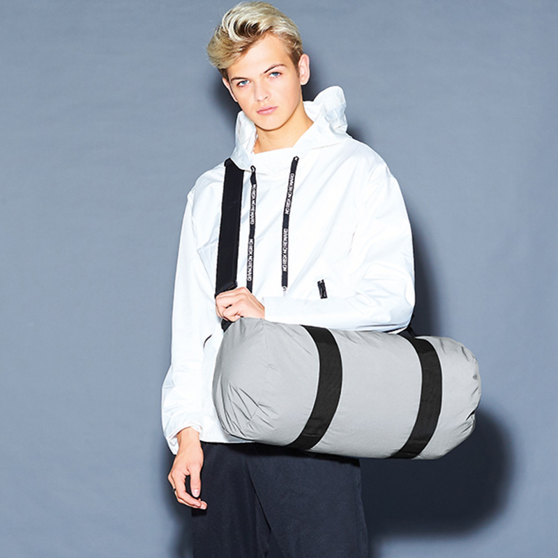 reflective barrel bag silver5