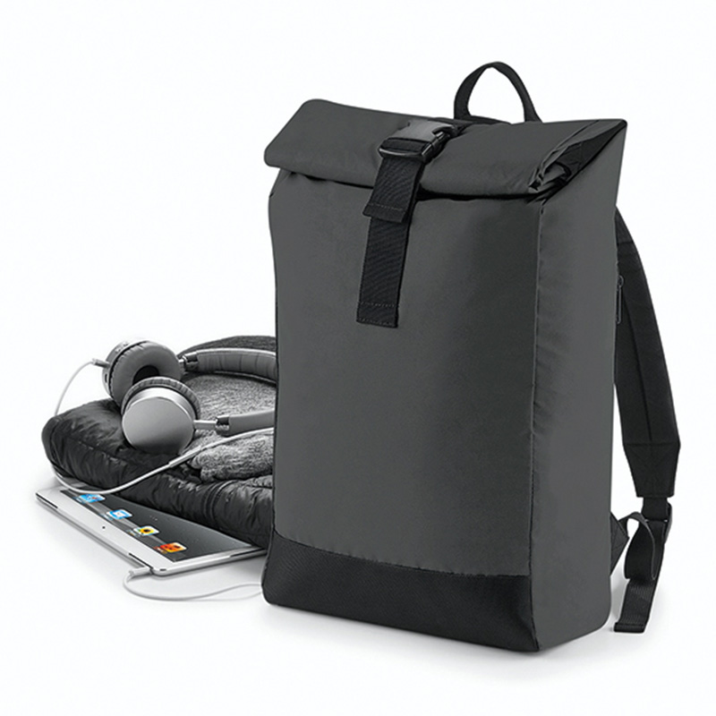 reflective roll top backpack svart1