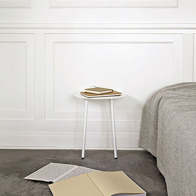 yeh wall table low white bed