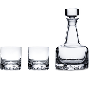 Erik karaff och två Double Old Fashioned glas