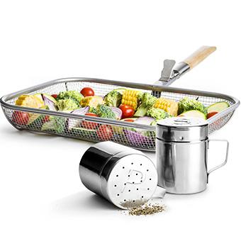 Set med grillkorg och BBQ salt och peppar